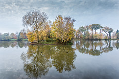 étang du Blavon (hdenis35) Tags: etang paysage bretagne britain landscape automne autumn pond fall 52in2018 saison season tree sky water