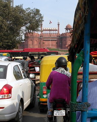 approaching red fort (kexi) Tags: delhi india asia fort redfort vertical traffic people street chandnichowk samsung wb690 february 2017
