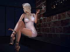Glowing in the dark (Danielle Livadi) Tags: essenz shinyshabby navycopper belleposes mc moncheri fetishfair fameshed