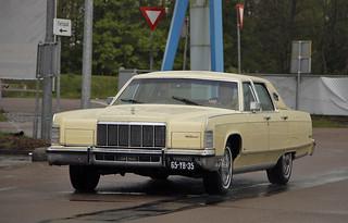 Lincoln Continetal Town Car 1976* (9864)