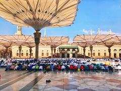 (Haris Dlakic) Tags: muslims islam المسلمون الإسلام الصلاة people prayer الجمعة dzuma jumah iphone7plus المنورة النبوي الحرم masjidnabawi المدينة medinah saudiarabia 022017 februar2017 medina