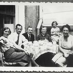 Archiv FaMUC249 Münchner Familie, Besuch von den Eltern, 1940er thumbnail