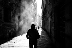 Barcelona (SinoLaZZeR) Tags: 欧洲 西班牙 加泰罗尼亚 巴塞罗那 街头摄影 黑白 人 人影 europa europe street streetphotography streetlife schwarzweiss blackwhite blackandwhite bw spain spanien catalonia katalonien barcelona gothic quarter fujifilm fuji finepix xpro2 xf