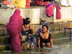 varanasi 2017 (gerben more) Tags: varanasi women smile smiling bathing ritualbathing water ganges ganga river india benares people