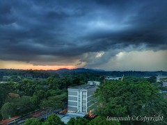 Storm approaching at Sunset (tomquah) Tags: sunset landscape clouds storm huaweimate9 tomquah weather sky thunderstorm extreme leica singapore cloudsstormssunsetssunrises