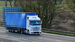 YA66 VSN (Martin's Online Photography) Tags: mercedes actros mp4 truck wagon lorry vehicle freight haulage commercial transport m6 cannlane knutsford cheshire nikon nikond7200