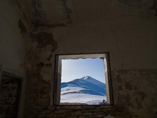Window to the summit, Kissavos mountain summit 1980M