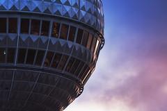 Berlin - Spaceship (030mm-photography) Tags: rot berlin fernehturm berlinerfernsehturm kuppel kugel fenster wahrzeichen telespargel sonnenuntergang city architektur futuristisch abend