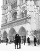 DSC_3872 (deborahb0cch1) Tags: love loveis lovers notredames paris snow snowing monochrome blackandwhite noiretblanc hug affection amour tenderness building arch
