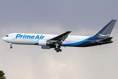 N1049A (Hector A Rivera Valentin) Tags: primeair sanjuan bdsf 767300 767 76736n airport sju tjsj atlasair n1049a boeing cargo prime amazon b767
