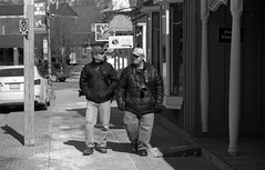 A late morning Stroll (Alex Luyckx) Tags: unionville ontario canada urban downtown historicdowntown historic markham people portrait random street streetphotography photographers spontanious casual tfsm tfs torontofilmshooters torontofilmshootersmeetup meetup gathering social