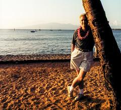 Luau Guy (Bill in DC) Tags: hi hawaii maui lahaina oldlhainaluau 1999 film kodacolor canoneosa2 35mm smp9