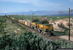 Magna Motors on the March (jamesbelmont) Tags: railway kennecottcopper copperton magna magnamotor binghamcanyoncoppermine ge ore utah electric
