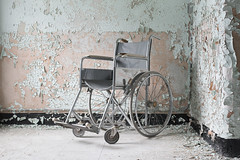 W State Hospital (Jonnie Lynn Lace) Tags: abandoned abandonedamerica abandonedhospital heels peelingpaint paintchips texture blue red white black light dark shadows sunlight nautrallight decay decayed decaying ruins modernruins ma abandonedma winter interior indoor indoors old rust rusty nikon nikkor december contrast day urbex textures bright america asylum american wheelchair chair details detail inside classic usa unitedstates hospital statehospital insane institution