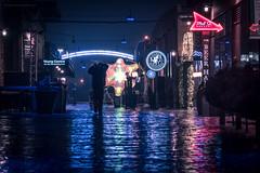 トロント 2018 (BB ON) Tags: toronto ontario canada outdoor rain city retro bladerunner fog vaporwave aesthetic purple cobblestone distillery building neon urban person noir