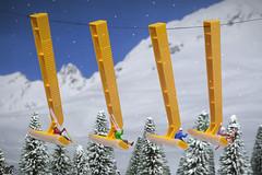 Ski-Lift (bs1ffm) Tags: flickr figures fantasy art amateur miniaturen modelleisenbahnfiguren minifigures makro macro minifigs macrophotograhy miniature mini toys toyphotography tabletopphotography ttl toy toyphotographie studio spielzeug photography preiser littepeople new ski winter