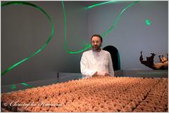 """Patrick Roger dans sa nouvelle boutique """"Eléphant"""" à Paris (Christophe Hamieau) Tags: continentsetpays europe fr fra france paris patrickroger art boutique chocolat chocolate chocolatier sculpteur sculpture shop îledefrance"""