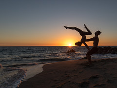 Acro Yoga on the beach (Eric Zumstein) Tags: ryanflows pointdume malibu california unitedstates us yoga acroyoga