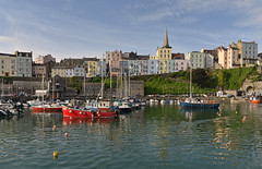UK - Wales - Pembrokeshire - Tenby (Harshil.Shah) Tags: tenby pembrokeshire wales coast harbour coastal seaside sea waterfront boats marina coloured houses colourful colorful colored britain gb greatbritain united kingdom uk