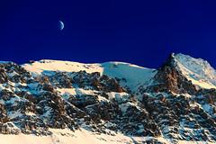 Moon and sunset (SLpixeLS) Tags: switzerland suisse lesdiablerets glacier3000mountain montagne alpes sky ciel blue bleu sunset coucherdesoleil snow neige light lumière lune moon crépuscule twilight dusk