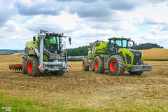 Green Brothers   CLAAS // KAWECO // SGT // VÄDERSTAD // BOMECH (martin_king.photo) Tags: field day claas xerion kaweco bomech 4500 trac vc double twinshift greenstar multiflex 12m injector 4000 saddle väderstad carrier x 525 slurry gulle martin king photo agriculture machinery machines tschechische republik weather powerfull green outdoor public martinkingphoto work landwirtschaft power huge farm farming tschechischerepublik landwirt farmlife land machinerylovers weloveagriculture claasxerion modernfarming unique fields strong agricultural greatday great czechrepublic welovefarming agriculturalmachinery workday modernagriculture photoshoot canon