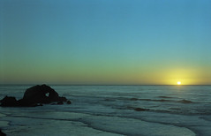Heart rock (-Alberto_) Tags: carlzeiss contaflex 35mmfilm seascape sunset sanfrancisco california sky kodakektar