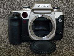 Canon 50E film SLR with Eye Control. (Keefy243) Tags: canon 50e autofocus film slr silver late 20th century eyecontrol focussesonwhatyoureyelooksatinviewfinder