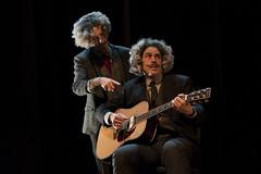 En la imagen se puede ver un momento de la obra de teatro ofrecida en el Ermua Antzokia.  Fotografía cedida por el fotógrafo local Óscar Blanco Gutiérrez