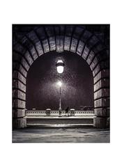 Paris by night (Photo-LB) Tags: route monochrome bw bâtiment nuit night lumière black white noir et blanc snow neige street photo la rue paris by vélo nikon d800 sigma 35mm ambiance