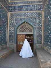 P9275063 (bartlebooth) Tags: varzaneh esfahanprovince isfahanprovince iran persia middleeast mosque masjid iranian architecture olympus e510 evolt silkroad persian whitechador whitechadah chadah