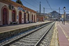 Estación de tren de Jadraque (Juanjo RS) Tags: juanjors estaciondetren nikon nikond7100 guadalajara jadraque anden castillo castillodelcid spain españa amateur castillalamancha ferrocarril