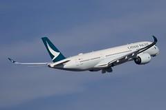 B-LRD CATHAY PACIFIC AIRWAYS AIRBUS A350-941 (Roger Lockwood) Tags: blrd cathaypacificairways airbusa350 man egcc manchesterairport
