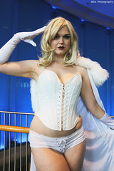 IMG_7609 (willdleeesq) Tags: cosplay cosplayer cosplayers lbce lbce2018 longbeachcomicexpo longbeachcomicexpo2018 emmafrost marvel marvelcomics whitequeen xmen
