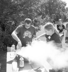 (animated stereo) Pouring liquid nitrogen (Thiophene_Guy) Tags: ilfordfp4 originalworks realist stereorealist thiopheneguy stereoview stereogram 3d stereo parallax stereophotomaker animatedstereo animatedgif wiggle wiggly jiggle jiggly motionparallax animated gif 2017 wigglegram ぷるぷる プルプル3d プルプル