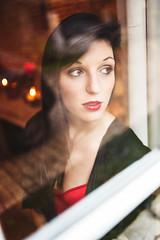 Through the glass : N°5 : Elodie : Portrait : Nikon D4 : Nikkor 35 mm F2 (Benjamin Ballande) Tags: through glass n°5 elodie portrait nikon d4 nikkor 35 mm f2
