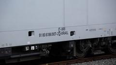 016_2018_01_06_03_Essen_Hbf_6186_907_D_XRAIL_&_2186_910_I_XRAIL_&_2186_908_I_XRAIL_&_6186_906_D_XRAIL (ruhrpott.sprinter) Tags: ruhrpott sprinter deutschland germany allmangne nrw ruhrgebiet gelsenkirchen lokomotive locomotives eisenbahn railroad rail zug train reisezug passenger güter cargo freight fret essen hbf dortmund parisnord wuhan china db vrr sbahnrheinruhr s2 sncf thalys xri xrail 0422 6186 2186 186 outdoor logo natur