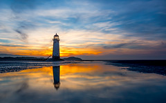 Point of Ayr Lighthouse at sunset (Mark Shelley Photography) Tags: telacre ayr lighthouse sunset lowlight reflection