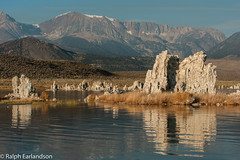 Islands and Mountains (Ralph Earlandson) Tags: tufa mountains monolake sunrise reflections california droh dailyrayofhope2018