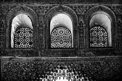 Dentelle mauresque (Briren22) Tags: alhambra grenade espagne maures architecture palais fenêtres