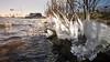 Ice Accumulates, weerwater - Almere (Alex Verweij) Tags: view accumulate accumulates ice ijs aangroeien aanzetten water koud vriezen winter alexverweij canon 17mm weerwater sleeplift ijssculpturen