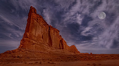 Tower of Babel (McKendrick Photography) Tags: archesnationalpark moab utah sandstone blue moon arch windowarch