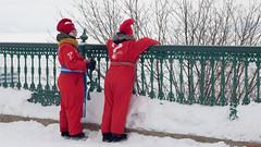 Carnaval de Québec, Canada - 4764 (rivai56) Tags: villedequébec québec canada ca carnavaldequébec information sonyphotographing hiver winter personnes ressources pour informer la population sur le carnaval de rouge or red terrasse dufferin