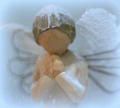The Snow Angel by Lulu Taylor (Winter Ghosts) Tags: thesnowangel lulutaylor novel christmas gift macromondays