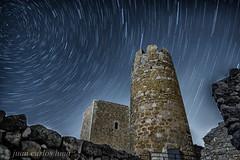 CIRCUMPOLAR EN EL CASTILLO DE ULLDECONA (juan carlos luna monfort) Tags: stars estrellas startrails largaexposicion nocturna night ulldecona montsia nikond7200 irix15 calma paz tranquilidad medieval antiguo ruinas