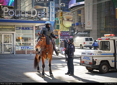 NYPD, Times Square, New York, United States (Lars Rollberg) Tags: nypd newyork timessquare unitedstates