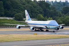 AIR FORCE ONE (Kaiserjp) Tags: 929000 airforceone sam29000 usaf vc25 potus obama 747 747200 transport military aircraft jet boeing boeingfield bfi kbfi seattle jumbo vvip vip andrews