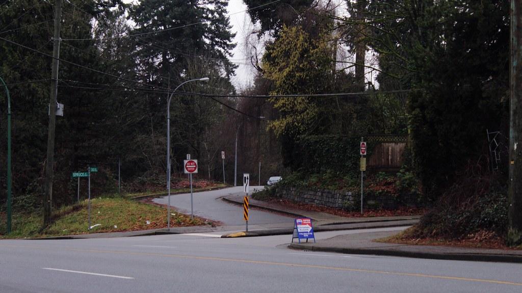 Ivanhoe Hotel Vancouver Bc