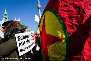 Tausende Kurden protestieren in Berlin gegen türkische Angriffe auf Afrin (Efrin)
