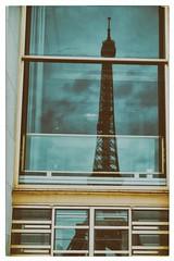 La Dame de Fer (Yo Gui) Tags: tour eiffel dame fer paris analog vintage nuage clouds tower