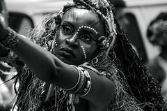 Foto-Arô Ribeiro-1716 (Arô Ribeiro) Tags: blackwhitephotos photography laphotographie pb bw fineart art carnaval ilúoládemin brazil sãopaulo arôribeiro nikond7000 thebestofnikon nikon portrait